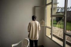 """BURUNDI: DES ÉTUDIANTS DE BUJUMBURA CHERCHENT LEURS AFFAIRES """"PILLÉES"""" PAR LA POLICE"""