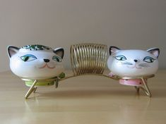 Items similar to Vintage Mint 1958 Holt Howard Cozy Kittens S&P Shakers w/ Metal Napkin Holder - Made in Japan on Etsy Vintage Cat, Retro Vintage, Vintage Stuff, Vintage Decor, Vintage Home Accessories, This Is A Book, Kitchen Collection, Mid Century Style, Cat Art