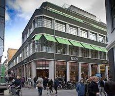Berlingske Media- tegnet af Bent Helweg-Møller og opført 1932-30. ombygget 1990-91 og 2007-09.