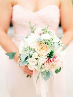 50 Enchanting Pastel Wedding Bouquets | HappyWedd.com #PinoftheDay #wedding #bouquet #pastel