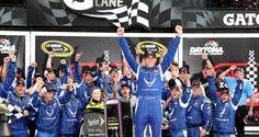 Regen, threewide, bigones, Abwechslung pur... Daytona: Aric Almirola feiert historischen Premierensieg! | ThreeWide.de