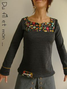 Petit Haut … par Du fil et mon . Style Couture, Couture Tops, Couture Fashion, Sewing Clothes, Diy Clothes, Clothes For Women, Old Sweater Diy, T Shirt Remake, Couture Sewing