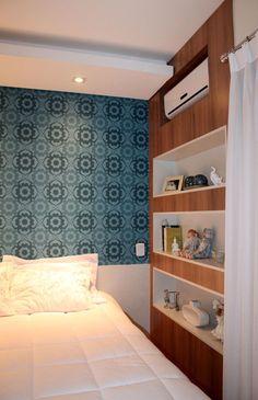 34 Ideias incríveis para decorar quartos pequenos Small Rooms, Small Apartments, House Outside Design, House Design, Hotel Room Design, Home Decor Bedroom, Bedroom Interiors, New Room, Decoration