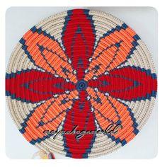 How To Crochet A Shell Stitch Purse Bag - Crochet Ideas Crochet Shell Stitch, C2c Crochet, Crochet Tote, Tapestry Crochet, Crochet Purses, Filet Crochet, Beading Patterns, Crochet Patterns, Finger Weaving
