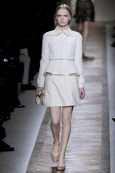 Sfilata Valentino Parigi - Collezioni Primavera Estate 2011 - Vogue