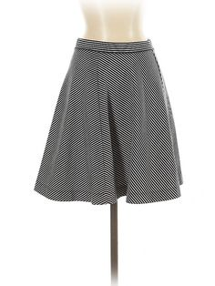 Uniqlo Casual Skirt Size: Small Bottoms - used. Suede Mini Skirt, Classic Skirts, Uniqlo, Mini Skirts, Retail, Ballet Skirt, Casual, Blue, Clothes