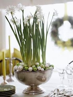 24 Easy Christmas Centerpiece Ideas | Midwest Living