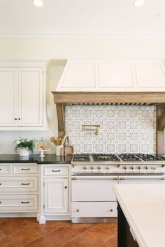 Indian Home Interior french kitchen.Indian Home Interior french kitchen Home Decor Kitchen, New Kitchen, Home Kitchens, Kitchen Tile, Kitchen Ideas, Kitchen Decorations, Decorating Kitchen, Kitchen Trends, Decorating Tips