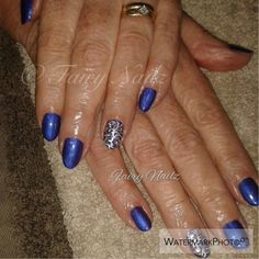 Fairy Nailz: #CNDShellac with carved accents
