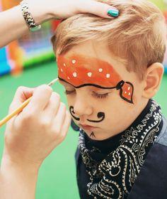 Animations pour enfants : Fête du Port de Bruxelles 2018 Pirate Birthday, Pirate Theme, Diy Pour Enfants, Mardi Gras, Activities For Kids, Crafts For Kids, Pirate Crafts, Disney Cruise, Party Planning