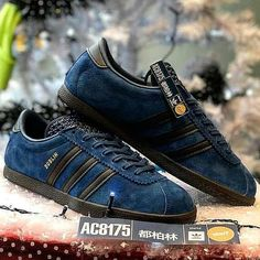 huge selection of ed40b 608a9 Release December 2017 Taiwan Dublins Adidas Turnschuhe, Schuhe Turnschuhe,  Taiwan, Adidas
