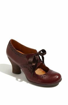Hey. These are silly one's but what are people's thoughts on shooties/heeled oxfords. I think it could be kind of fun and get the vintage-y look in there too. Plus, they look great with tights.