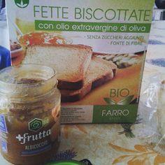 #buongiorno #goodmorning #venerdì #colazione #breakfast #fettebiscottate #farro #marmellata #albicocca #apicolturacasentinese #bio #organic #casa #home