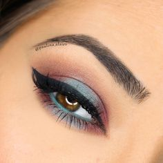 Anastasia Beverly Hills waterproof creme color in 'sunset' and 'ice blue' as a base. Then apply Makeup Geek Eyeshadow in [...]