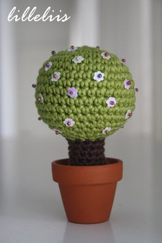 Amigurumi pattern - Magic Tree  ★•☆•Teresa Restegui http://www.pinterest.com/teretegui/•☆•★