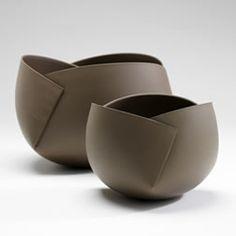Etude géométrique: door ann van hoey, minimalistisch Here you will find all photos with living ideas. Hand Built Pottery, Slab Pottery, Pottery Bowls, Ceramic Pottery, Pottery Art, Thrown Pottery, Pottery Studio, Ceramics Pottery Mugs, Slab Ceramics
