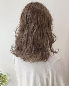Korean Hair Color Brown, Ash Brown Hair, Ash Hair, Brown Hair Colors, Hair Color Shades, Hair Dye Colors, Hair Inspo, Hair Inspiration, Hair Arrange