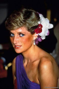 PRINCESS DIANA of Wales @ Thailand (02/1988) ~ Photo: Dave Chancellor / Alpha-Globe Photos  _____________________________ Reposted by Dr. Veronica Lee, DNP (Depew/Buffalo, NY, US)