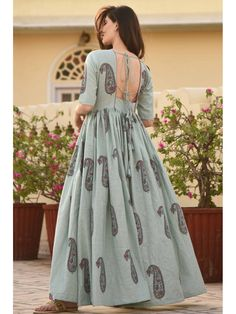 Shop Persian Paisley Dress from Shoprapy ! Party Wear Indian Dresses, Indian Gowns Dresses, Dress Indian Style, Indian Wear, Indian Designer Outfits, Indian Outfits, Designer Dresses, Sleeves Designs For Dresses, Dress Neck Designs