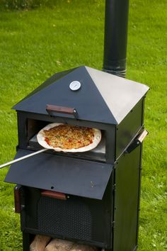 The Culina Flamma makes the best pizza! Also used for BBQ, Grill, Wok, more information on https://www.facebook.com/pages/Culina-Flamma/180228148693058.