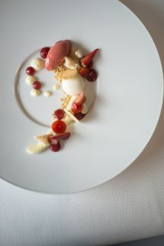 red fruits, ice cream and a bit of crumble