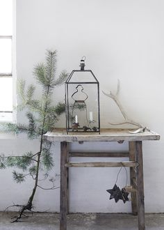 Have you given this year's Christmas decoration a thought…? Magazines are already out with early Christmas inspiration, and Danish BoligL...