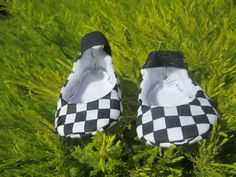 Ska Ska Ska... Calling all you rude boys and Rude Girls black and white checkers mary jane baby booties Unisex available on Etsy, $16.00