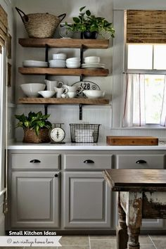 Farmhouse kitchen decor – Home kitchens – Rustic kitchen – Kitchen remodel – Kitchen renovation - therezepte sites Farmhouse Kitchen Cabinets, Kitchen Countertops, Kitchen Dining, Kitchen Rustic, Kitchen White, Kitchen Country, Kitchen Backsplash, Farmhouse Shelving, Farmhouse Design