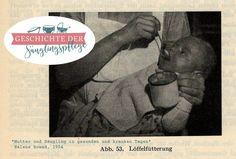 """""""Alle Gemüse-, Milch- und Obstbreie werden mit dem Löffel gefüttert (man nimmt einen Kaffeelöffel halb voll und drückt die Nahrung sachte an den Gaumen, um ein Ausspucken zu vermeiden). Sollten die Kinder dabei Schwierigkeiten machen, darf man das nicht beachten, weil sie das Essen vom Löffel später noch schlechter erlernen."""" #Beikost #1954"""