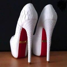 These look like they would be pretty wedding dress shoes..K♥
