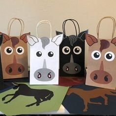 DIY Sesame Street Favor Bags - Printable character faces templates to decorate your party goodie bags - Total of 10 characters included! Horse Birthday Parties, 7th Birthday, Birthday Ideas, Barn Parties, Western Parties, Favor Bags, Goodie Bags, Pokemon Party Bags, Owl Balloons