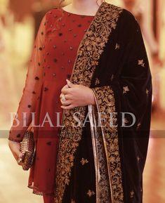 Pakistani Party Wear Dresses, Pakistani Wedding Outfits, Pakistani Bridal Wear, Pakistani Dress Design, Pakistani Fashion Casual, Muslim Fashion, Frock Fashion, Fashion Dresses, Stylish Dresses