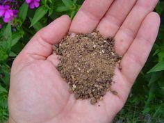 Little Homestead on the Hill: Fertilizer Basics: Organic vs. Chemical