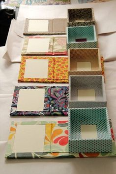 DIY Fabric Covered Boxes and with a mirrorby Zoopress studio, via On the bottom . There's that fabric again!DIY Fabric Covered Book Covers Into Boxes - add magnetic catchUse Old chocolate boxes and a book coverThen glue your favorite papper or materi Diy Gift Box, Diy Box, Diy Gifts, Gift Boxes, Fabric Covered Boxes, Fabric Boxes, Fabric Basket, Fabric Storage, Diy Storage