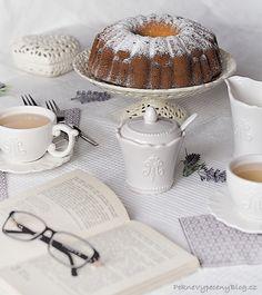 bábovka s jogurtem - Bundt cake with yogurt www.peknevypecenyblog.cz