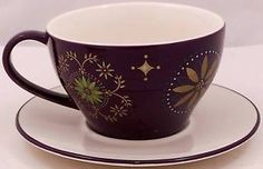 Starbucks-Holiday-2006-Coffee-Cup-Saucer-Purple-Floral-Design-Starfish-Bottom