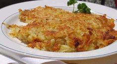 Funeral Potatoes Or Party Potatoes Potato Rosti Recipe, Potato Recipes, Party Potatoes, Potato Dishes, Slimming World Recipes, Macaroni And Cheese, Cooking Recipes, Favorite Recipes, Stuffed Peppers