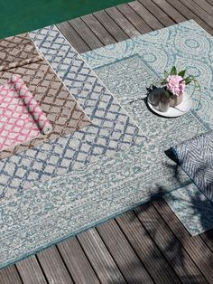 Covoare moderne pentru interior-exterior | Colectia Cleo #covoare #covoaremoderne #covoareexterior #covoareonline Picnic Blanket, Outdoor Blanket, Beige, Contemporary, Rugs, Interior, Home Decor, Products, Floor Heater