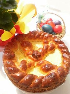 Pasca cu branza dulce Romanian Desserts, Romanian Food, Main Dishes, Side Dishes, Easter Projects, Pastry And Bakery, I Foods, Appetizers, Yummy Food