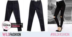 """Pentru tinutele casual de weekend, va propun o pereche de blugi negri skinny. Purtati-i in combinatii relaxate si indraznete. Black Jeans, Skinny Jeans, Suits, Casual, Fashion, Moda, Fashion Styles, Black Denim Jeans, Suit"