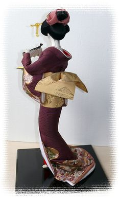 Japanese traditional vintage and antique dolls. Japanese Geisha, Japanese Kimono, Japanese Art, Japanese Doll, Hina Dolls, Kokeshi Dolls, Art Dolls, Japanese Traditional Dolls, Geisha