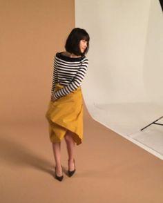 発売中のsteady10月号のカバーガールは有村架純ちゃん! 撮影中のムービーを公開します。 これは中ページのコーディネートです。スカートを持ってこう動いていたんですよー。選ばれたカットは本誌でお楽しみくださいね。 付録は、神崎恵さん監修のマーキュリーデュオのネイルセットです。  #steady #ステディ #有村架純 #kasumiarimura #fashion #magazine #撮影 #shooting #movie #発売中 #nowonsale #cover #steady10月号 #2016 #nail #mercuryduo #神崎恵 #マーキュリーデュオ  @kasumi_arimura.official @mahoterada @mikanbebe0808 @steady_tkj