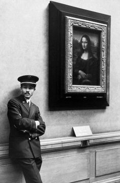 Alécio de Andrade's beautifully captured moment - the Louvre, 1971.