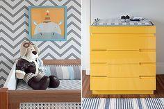 Berço   As laterais de palhinha dão ao móvel um ar retrô. Cachorro de pelúcia, da Tok & Stok. Gravura, comprada pela internet (Foto: Evelyn Müller/Casa e Jardim)