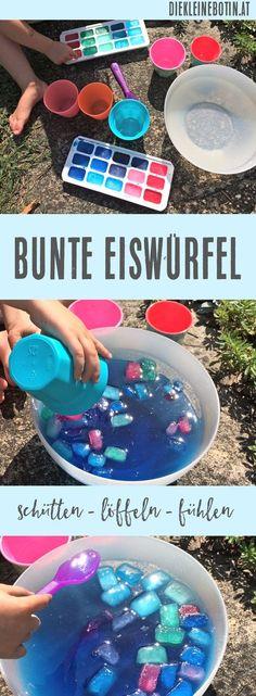 Schütten, löffeln und einfach versuchen: die Idee, sich selber mit Wasser und Eis zu beschäftigen, die Elemente zu beobachten und die unterschiedlichen Farben kennen zu lernen ist eine spanndende! Sommer-Spiel-Idee für Kleinkinder.