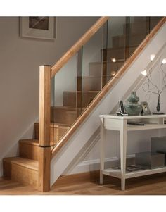 Ideas For Open Wooden Stairs Newel Posts Modern Stair Railing, Stair Railing Design, Stair Handrail, Modern Stairs, Staircase Spindles, Glass Stair Railing, Banisters, Railings, House Staircase