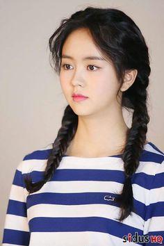 Kim So-hyun (김소현) - Picture @ HanCinema :: The Korean Movie and Drama Database Korean Actresses, Korean Actors, Korean Beauty, Asian Beauty, Kim So Hyun Fashion, Hyun Soo, Kim Sohyun, Korean Celebrities, Beautiful Asian Women