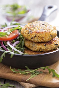 Quinoa and Wild Rice Burgers Quinoa and wild rice make a tasty team in these vegan burgers. Serve on their own with a sauce or on whole-grain buns; they're good in pita with leafy greens. - Quinoa and Wild Rice Vegan Burger recipe Quinoa Recipes Easy, Veggie Recipes, Vegetarian Recipes, Healthy Recipes, Meatless Burgers, Quinoa Burgers, Veggie Burgers, Black Bean Quinoa Burger, Bean Burger
