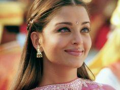 Aishwarya Rai. Bollywood Superstar. O en su defecto imagen de las peluquerías del Raval.
