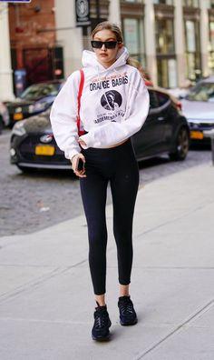 Looks Gigi Hadid, Gigi Hadid Style, Gigi Hadid Casual, Looks Street Style, Looks Style, Classy Street Style, Men's Style, Comfortable Outfits, Cute Casual Outfits